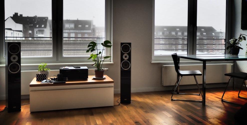 Bookshelf VS Tower Speakers